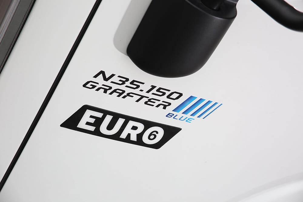 Isuzu truck N35.150 Grafter Blue badge