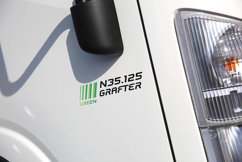 Isuzu truck N35.125 Grafter Green badge