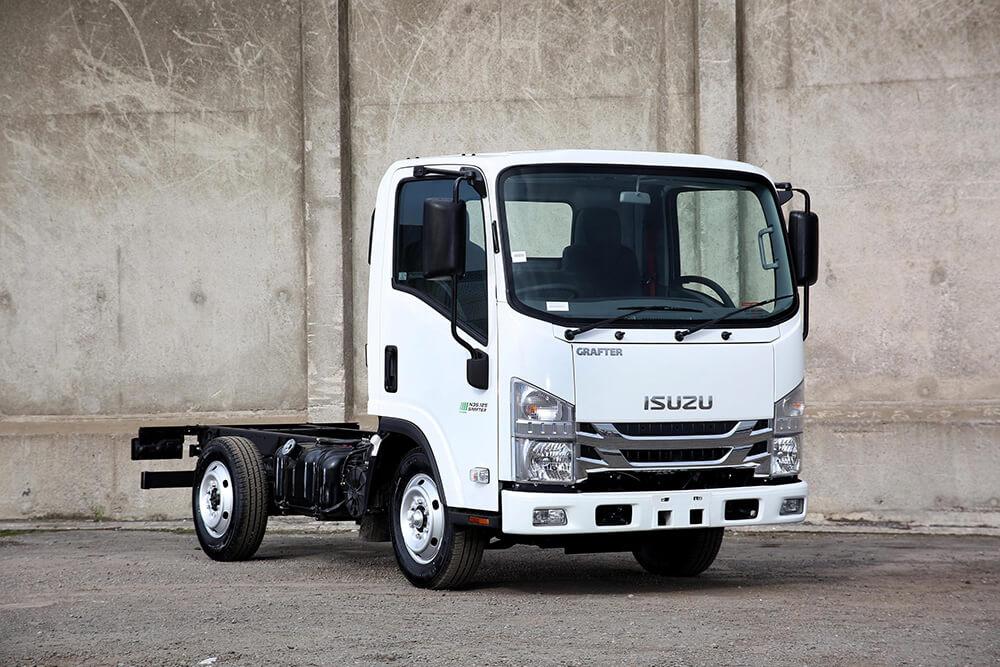 Isuzu truck N35.125 Grafter Green single rear wheel chassis cab