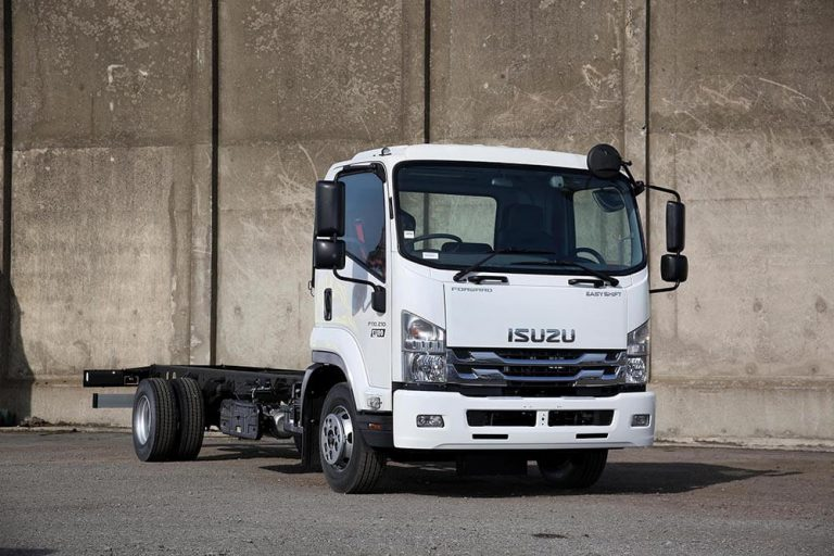 Isuzu truck F-Series F110.210 twin rear wheel chassis cab