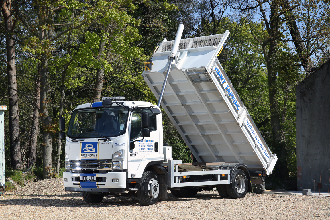 Image of an Isuzu truck F120.240 with Easyshift transmission, twin rear wheels and tipper body