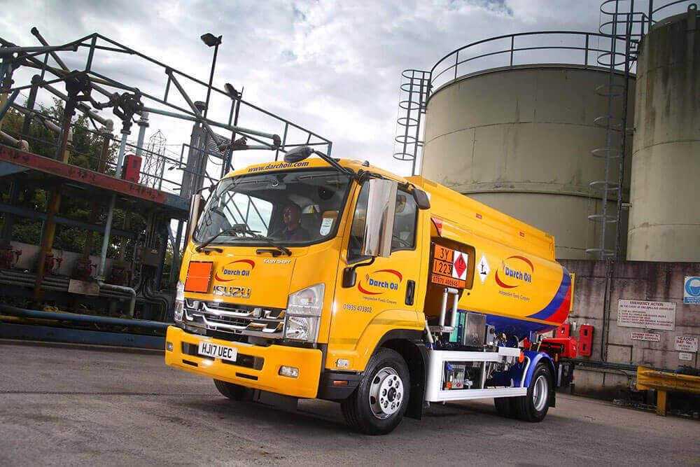 Isuzu 11 tonne tanker Darch Oils
